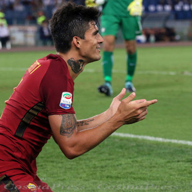Il Var e i pali fermano la Roma, Icardi regala i tre punti all'Inter.