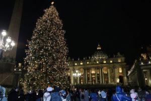 Accensione_Albero_Vaticano (14)