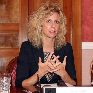 Ministro Lezzi comunica l'intenzione di mettere in mora il Comune di Matera.